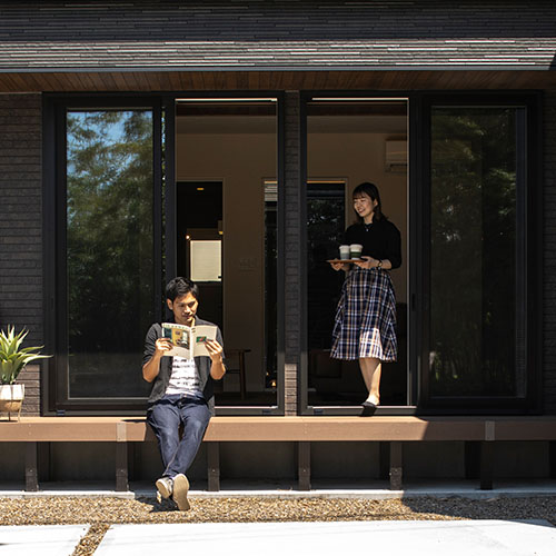 ゆったりとした時間の流れを楽しむ中庭のある平屋の家