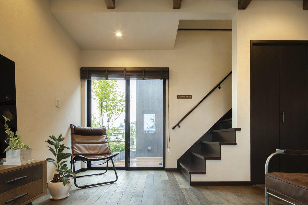 リビング階段×ロフトのあるヴィンテージ感漂う平屋