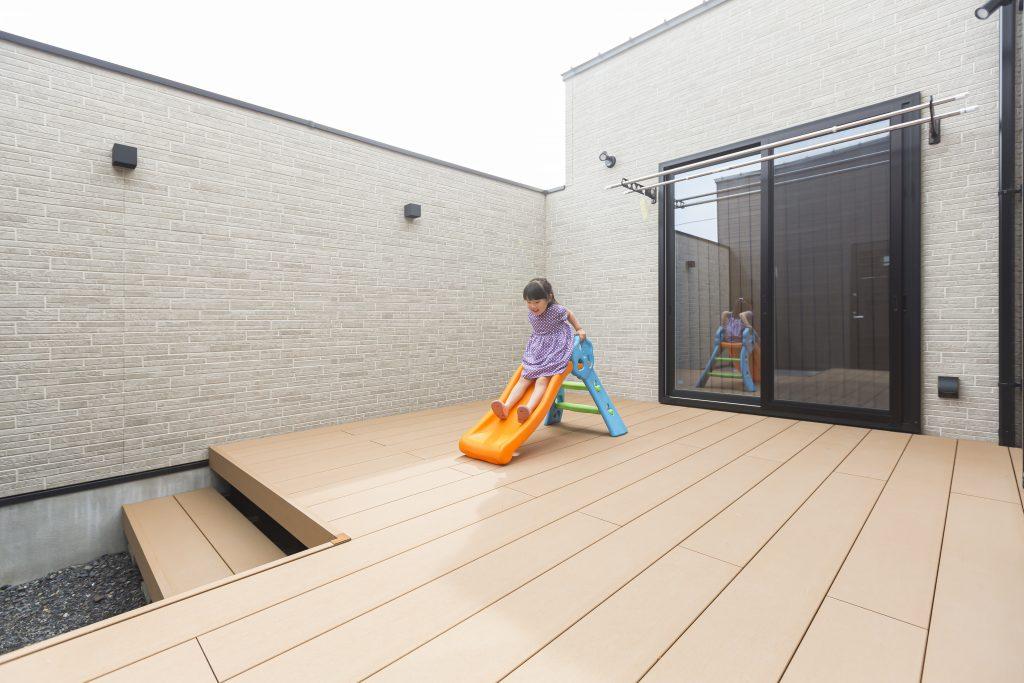 プライベートな空間を楽しむ中庭のある家